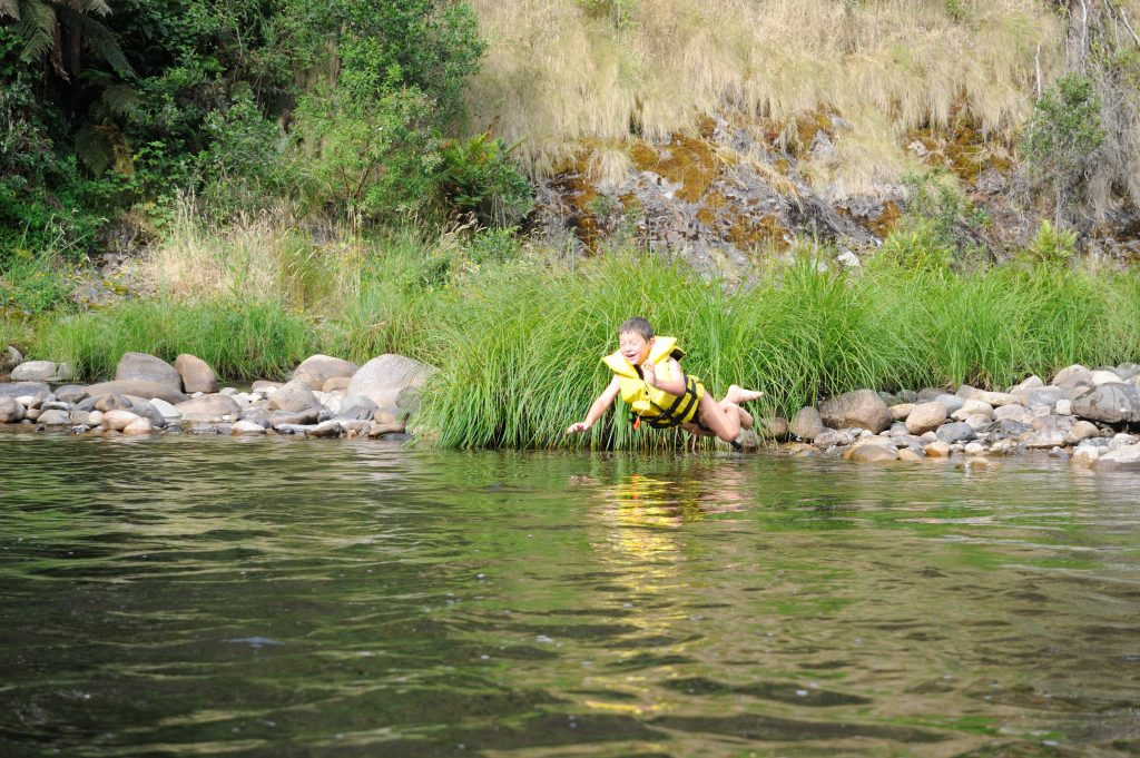 Swimming in Hawqua River - Tunnel Bend - Alpine National Park